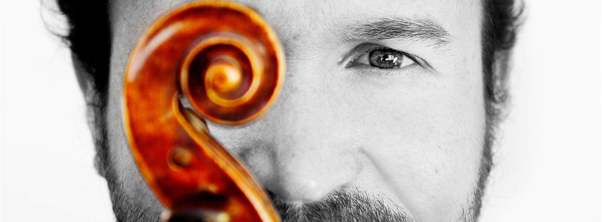 Compositor-ukelele-y-creador-musical